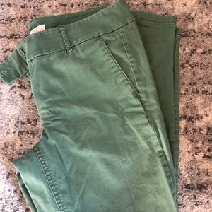 LOFT 10P Cropped/Capri Pants - Light Green
